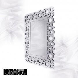 Prostokątne lustro Cecylia w eleganckiej ramie