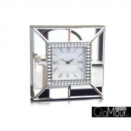 Elegancki zegar stojacy z lustrzaną ramą